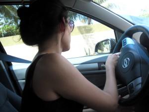mulher-no-volante